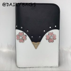 KATE SPADE PENGUIN BLACK WHITE PASSPORT HOLDER